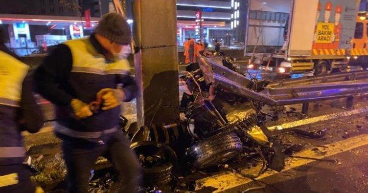 Karayolunda feci kaza: otomobil parçalara ayrıldı