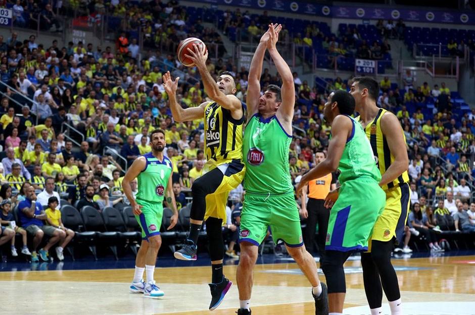 TOFAŞ Ataşehir'i Fenerbahçe'ye dar etti