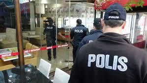 Ataşehir'de yemek servisi yapılan restorana baskın: 11 kişiye para cezası
