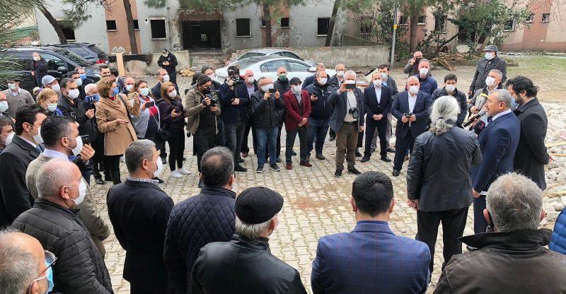Başkan İsmail Erdem sahayı arşınlıyor