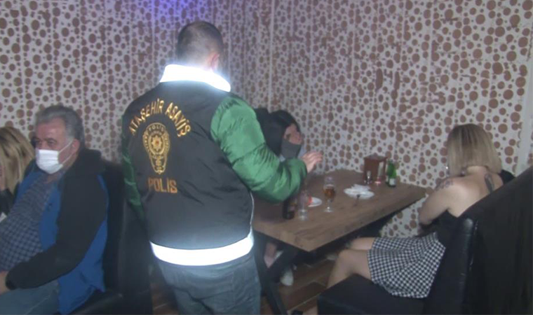 Ataşehir'de kapalı olması gereken eğlence yerlerine polis baskını