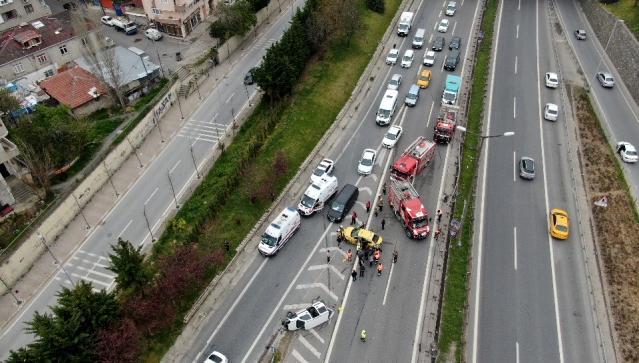 Ataşehir'de zincirleme kaza: Yaralılar var!