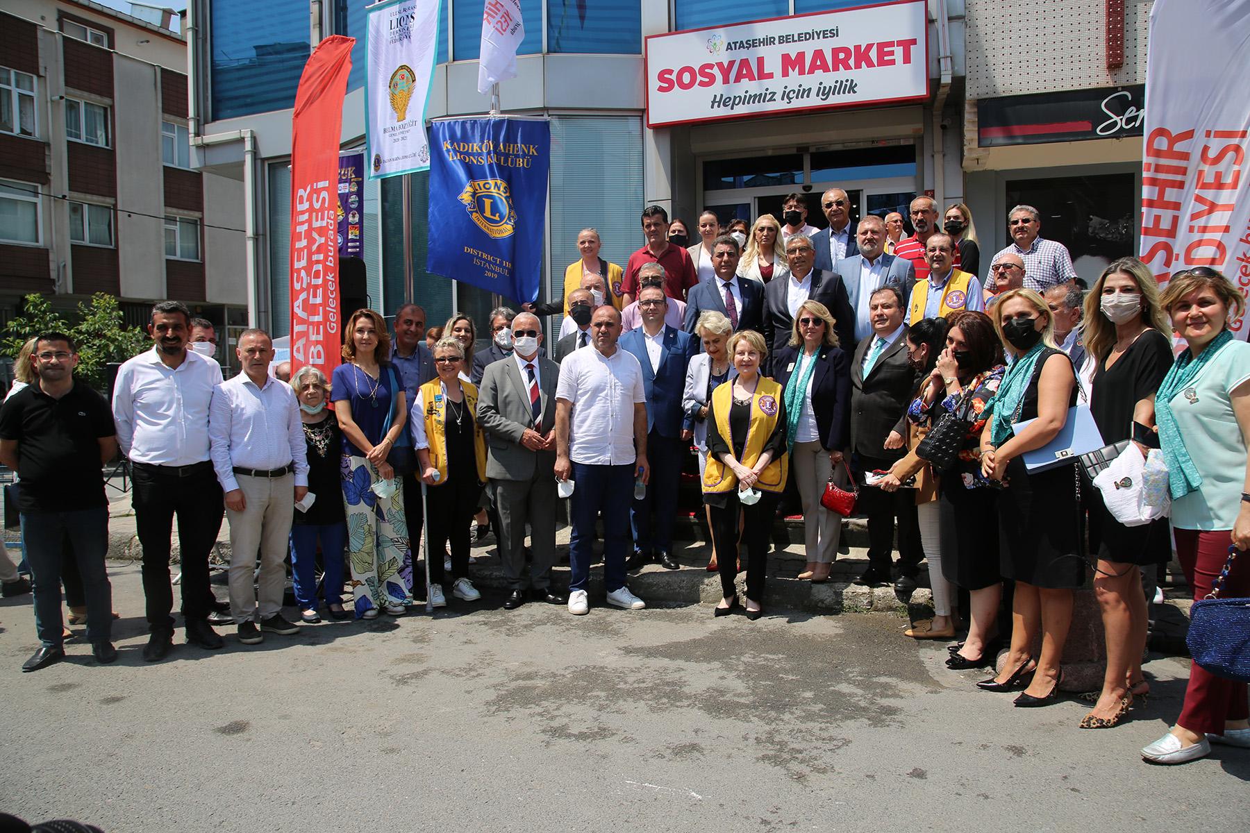 Ataşehir'e modern bir sosyal market daha kazandırıldı