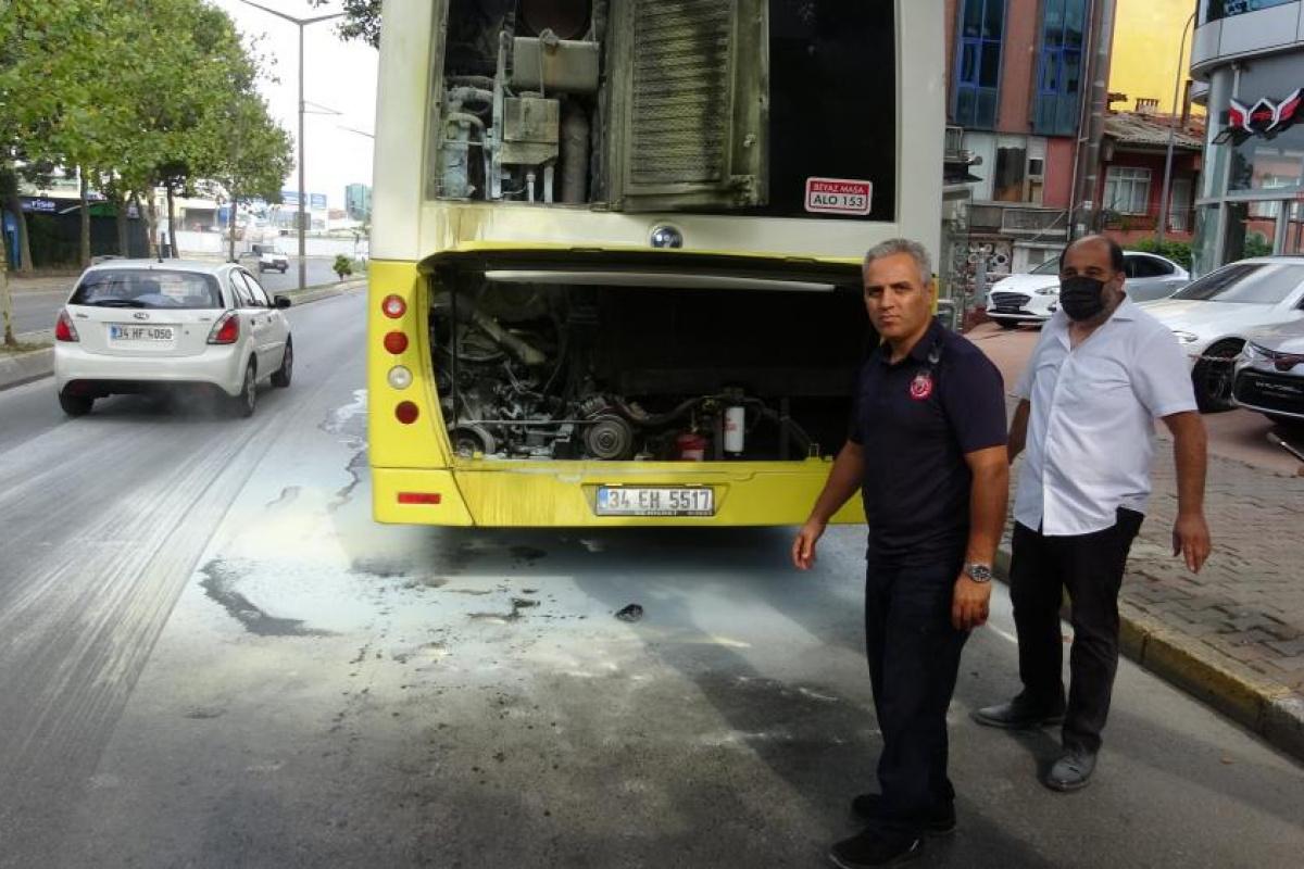 Ataşehir'de 15 yolculu otobüs yandı
