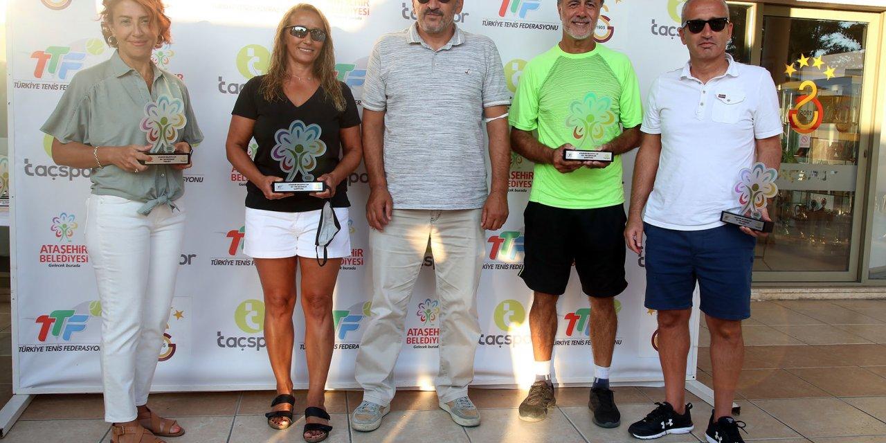 Ataşehir'de 1. Senyör turnuvası sonuçlandı