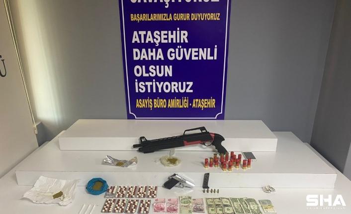 Ataşehir'de uyuşturucu tacirinin evinden neler çıktı neler!