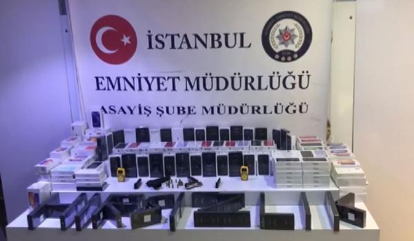 Ataşehir'de 289 cep telefonu saniyede çalındı!
