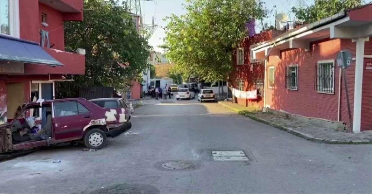 Ataşehir'de silahlar patladı: Baba ve oğlu yaralı!